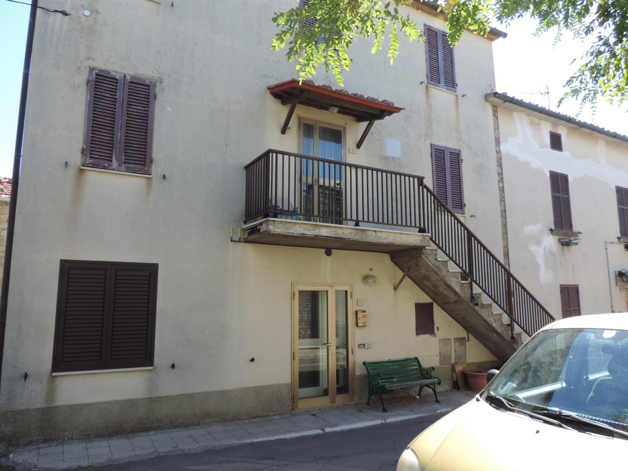 appartamento indipendente vendita roccastrada centro